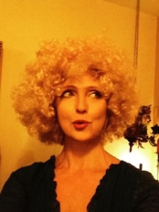 The Singing Psychic, created and performed by Marysia Trembecka